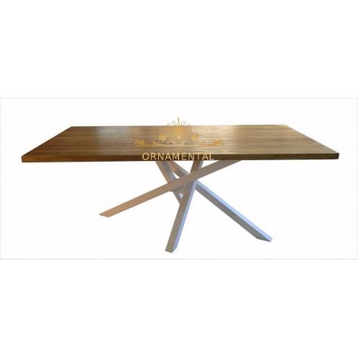 Stół do jadalni industrialny